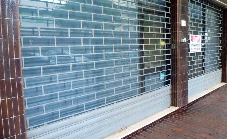 negozio sfitto chiuso 1