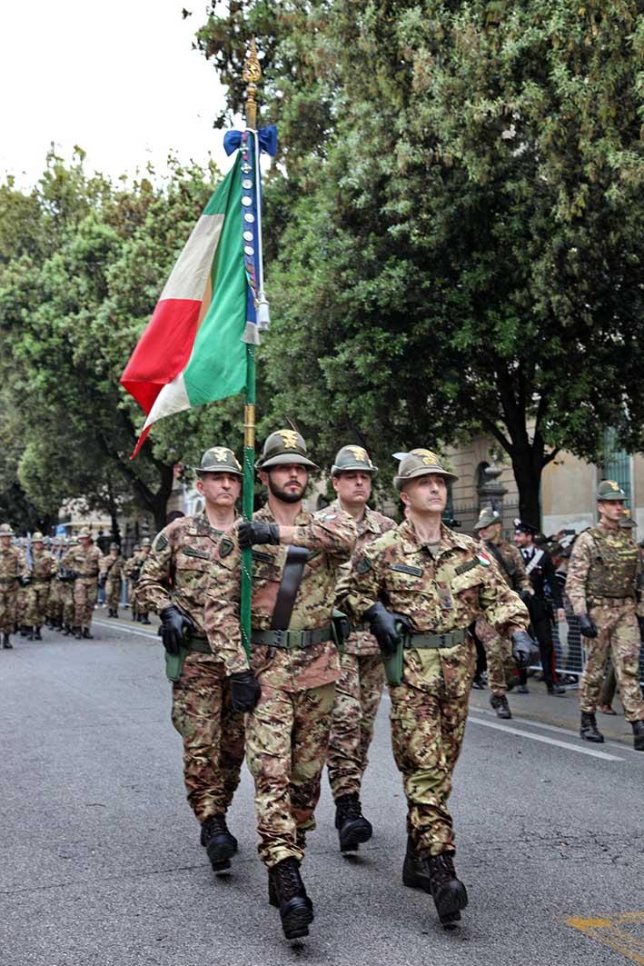 Adunata del piave arrivata la bandiera di guerra il for Bandiera di guerra italiana