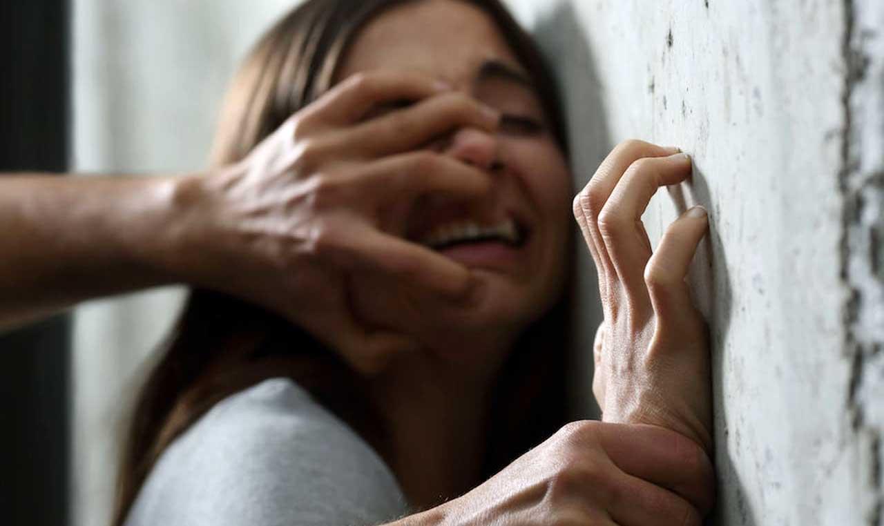 stupro aggressione violenza sessuale donna