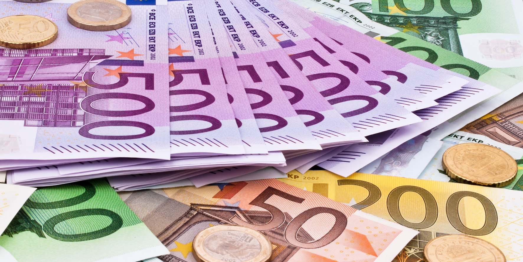 euro soldi biglietti banca monete