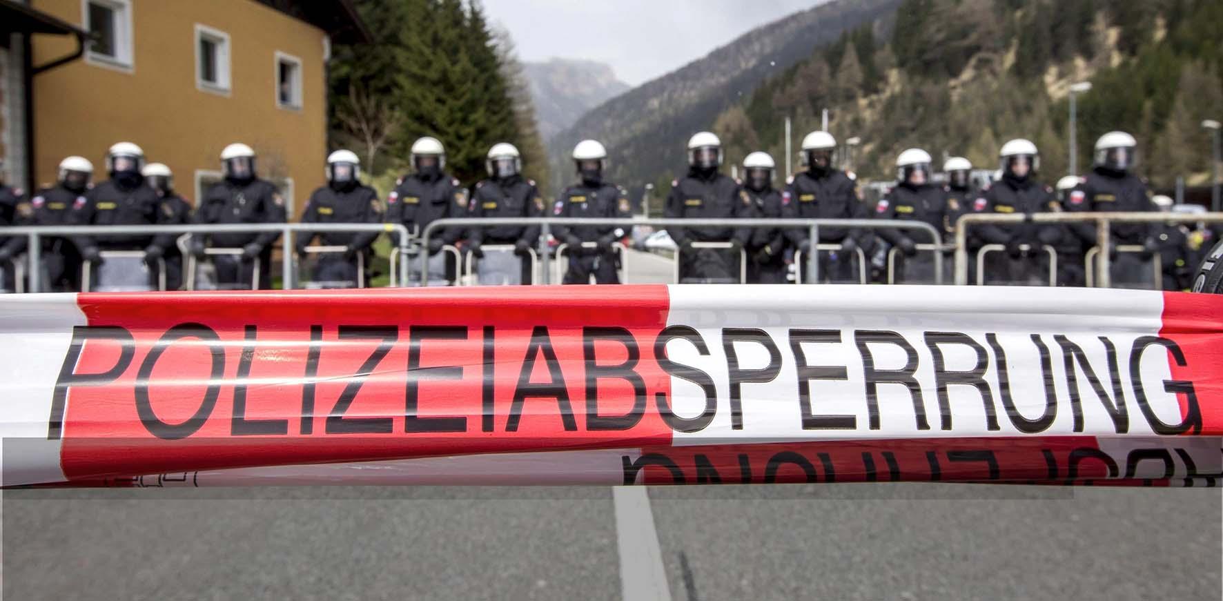tirolo austriaco frontiera brennero barriera polizia austriaca
