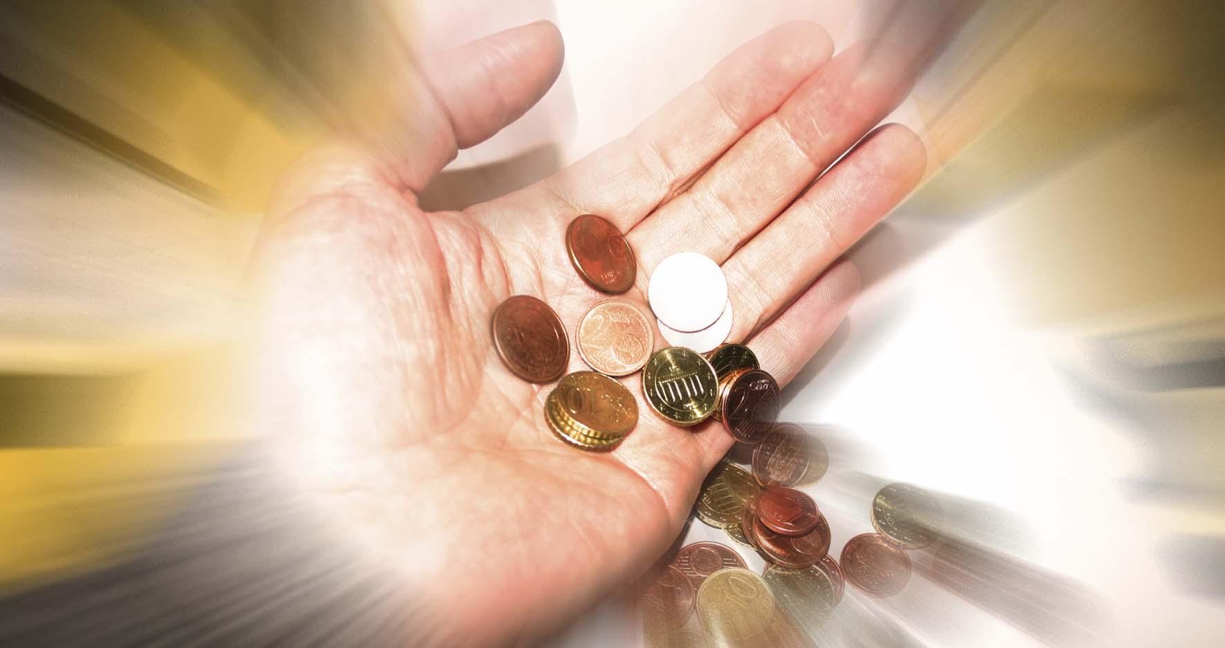 indennizzi regionali mano soldi denaro euro