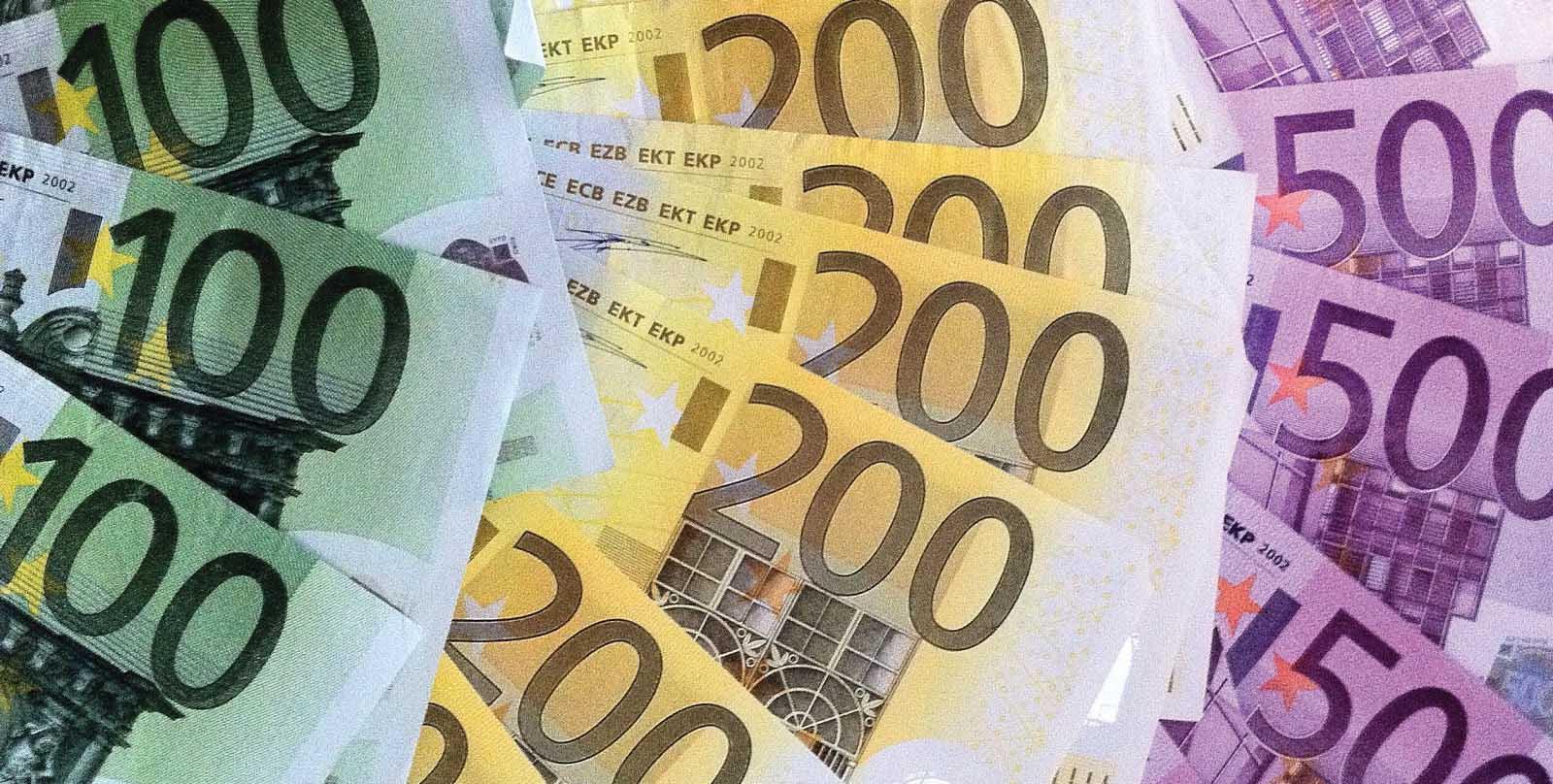 soldi euro biglietti 100 200 500