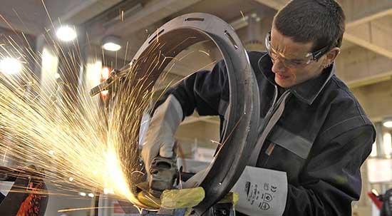 artigianato artigiano lavoro fabbro mola