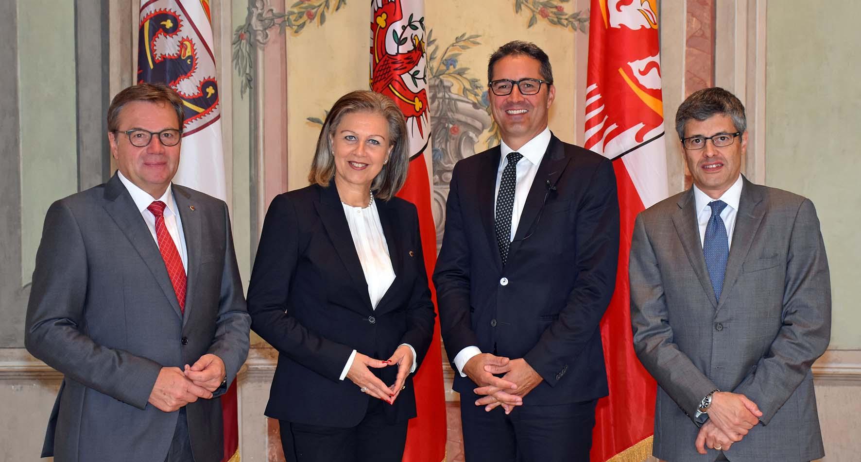governatore tirolese Günther Platter lassessora Patrizia Zoller Frischauf il presidente Arno Kompatscher e Paolo Nicoletti direttore generale della Provincia di Trento