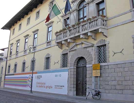 Università Udine sede centrale palazzo antonini cernazai