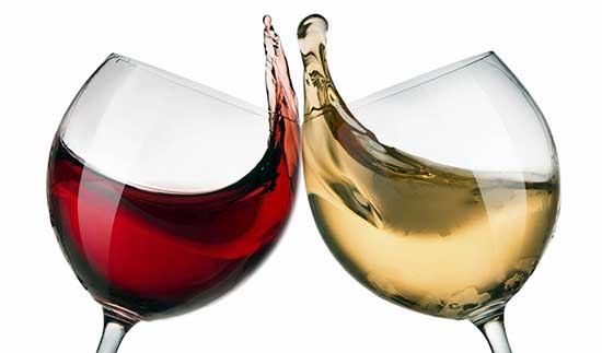 brindisi calici vino bianco vino rosso