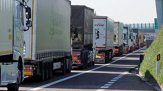 limiti di transito A22 autobrennero code tir camion 3