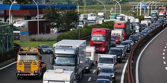 A22 traffico colonne veicoli 1