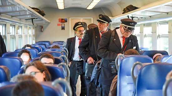 controlli biglietto treno controllori