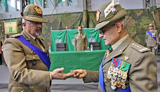 Passaggio di consegne tra il Generale C.A Federico BONATO e il Generale C.A Claudio BERTO 1