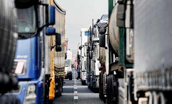 autotrasporto Conftrasporto-Confcommercio e Anita lamentano la criticità dell'autotrasporto merci autotrasporto tir camion colonne