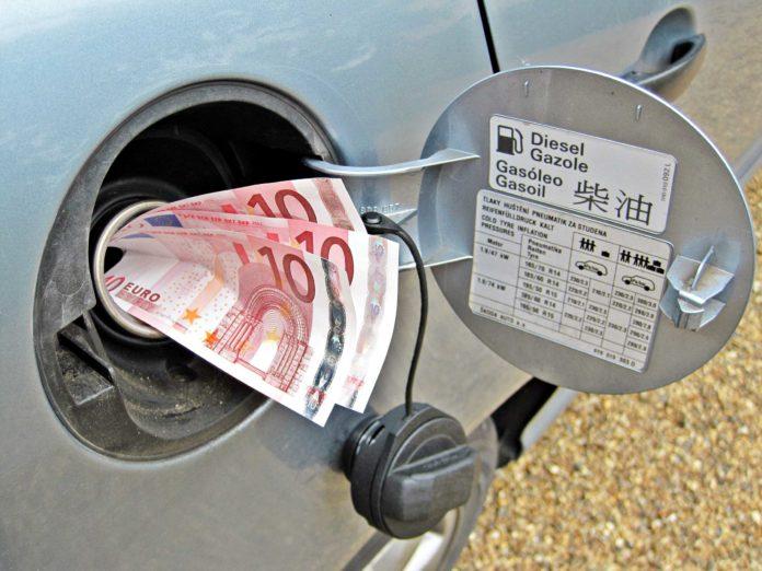 costo dei carburanti prezzo del gasolio tra Italia e Germania