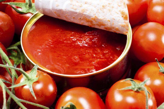"""primo raccolto pomodoro etichettato """"Made in Italy"""""""