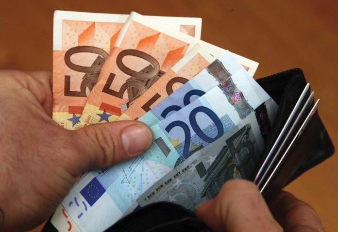 bonus da 600 euro autonomia professionisti iscritti agli ordini salario minimo