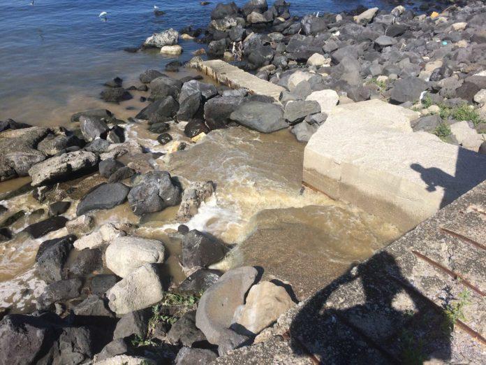 spiagge inquinate dalle fogne