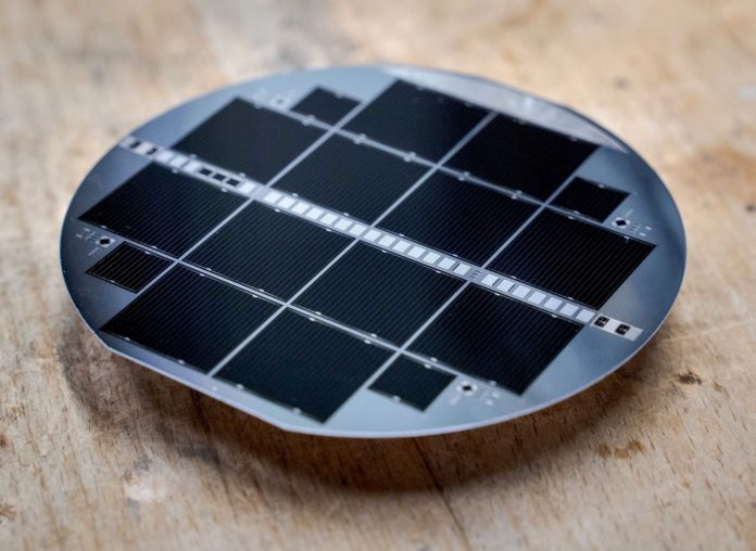 celle fotovoltaiche in tandem