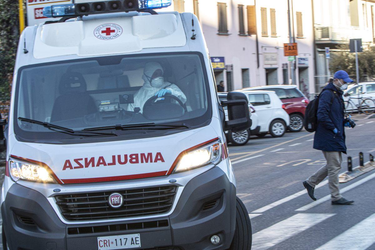 Covid Italia, 16.999 contagi e 887 morti: il bollettino